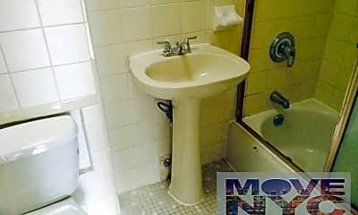 Bathroom, 52 W 125th St, 2