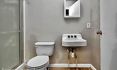Bathroom, 829 4th Ave SW, 2