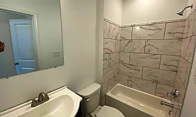 Bathroom, 2207 E Lamley St, 1