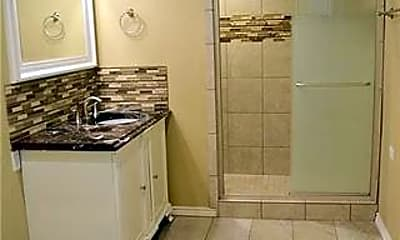 Bathroom, 2707 Wooded Acres Dr, 2