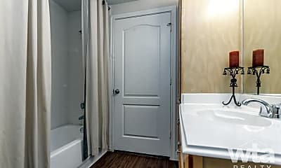 Bathroom, 2800 La Frontera Blvd, 1
