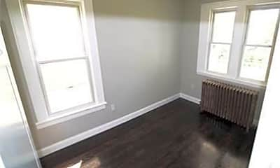 Living Room, 81 Ten Broeck St, 2