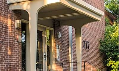 Building, 717 University Ave SE, 2