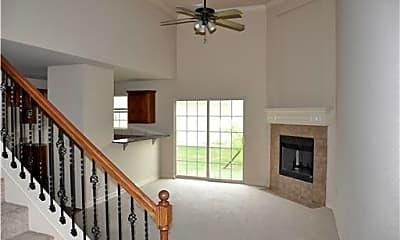 Living Room, 1791 N Chestnut Ave, 1