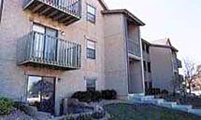 Southfork Apartments, 2