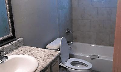 Bathroom, 1709 S 12th St, 1