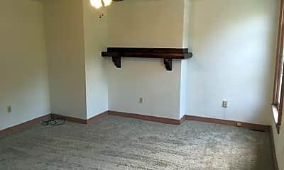 Bedroom, 305 S Fairmount St, 1