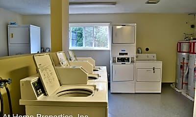Kitchen, 1300 SW E Ave, 2