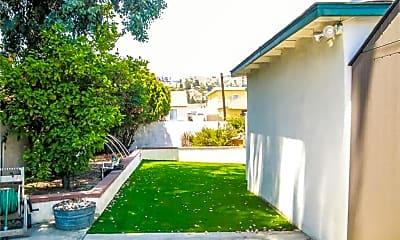 Building, 7667 N Hollywood Way, 2
