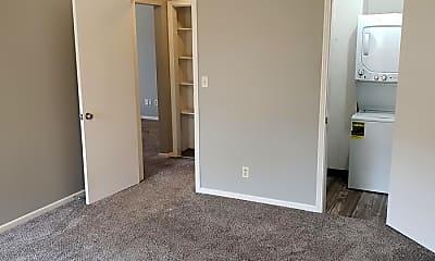 Bedroom, 9540 Mission Rd, 2