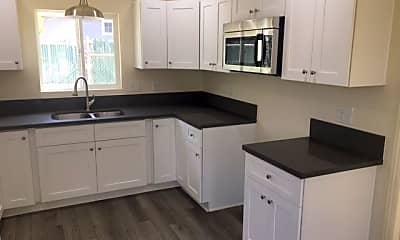 Kitchen, 637 E D St B, 1