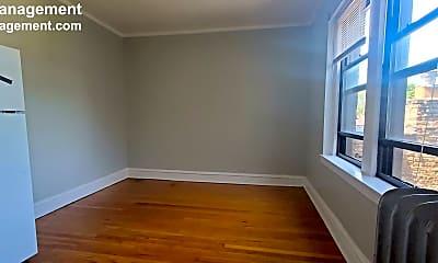 Bedroom, 3412 W Montrose Ave, 1