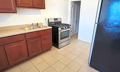 Kitchen, 7711 S Aberdeen St 3, 2