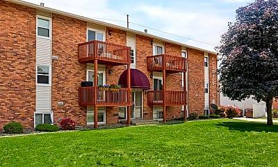 Building, Clobertin Ct Apartments, 0