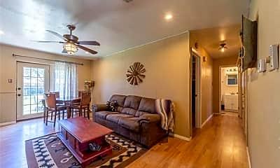 Living Room, 1340 W South Loop, 0