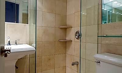 Bathroom, 171 E 102nd St, 1