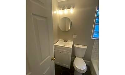Bathroom, 23 Fairmont St, 2
