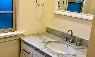Bathroom, 5 SW Whitaker St., 1