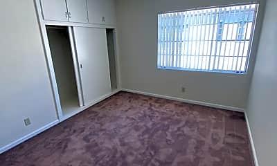 Living Room, 928 W Glenoaks Blvd, 2