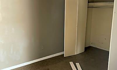 Bedroom, 209 N Mississippi St, 2