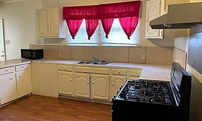 Kitchen, 452 Bernardo St, 1