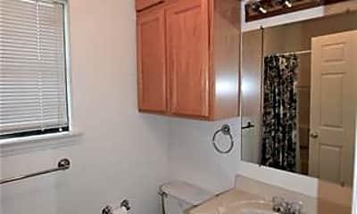 Bathroom, 1414 E Lake Dr, 2