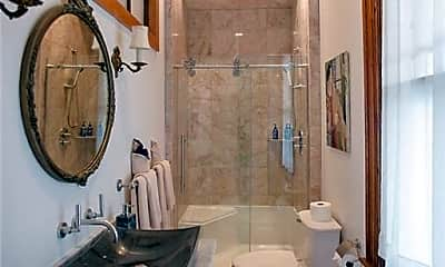 Bathroom, 47 Pelham St, 1