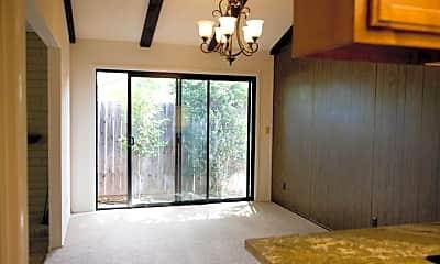 Living Room, 2832 Edison Ave, 1