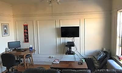 Living Room, 636 W Arlington Pl, 1