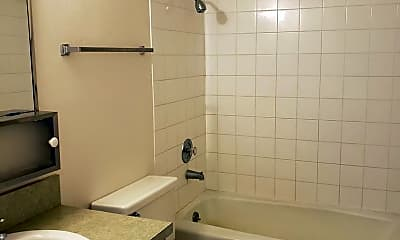 Bathroom, 1218 S Main St, 2