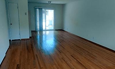 Living Room, 391 Oak Grove Ave, 1
