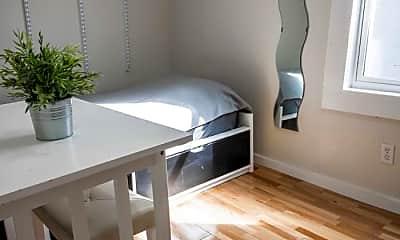 Bedroom, 221 7th St, 1