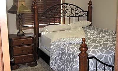 Bedroom, 400 N Plum St, 1