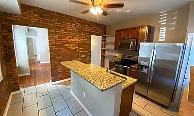 Kitchen, 884 Hunter Ave, 1
