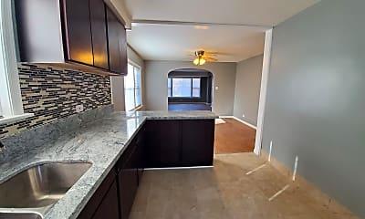 Kitchen, 9717 S Woodlawn Ave, 1