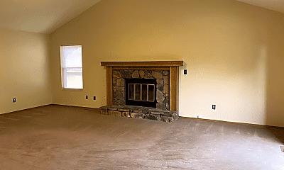 Living Room, 1703 Evergreen Ct, 1
