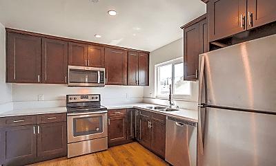 Kitchen, 639 W 4th St, 1
