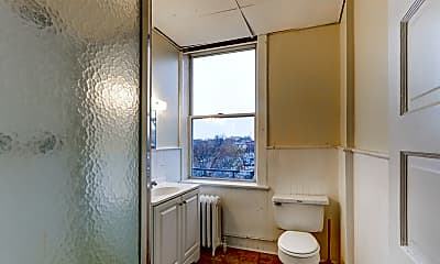 Bathroom, Carriage House Square, 2