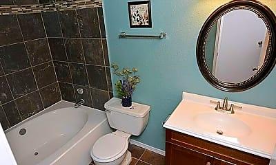 Bathroom, 10630 Westbrae Pkwy, 2