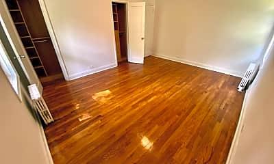 Living Room, 71 Virginia Rd 4B, 2