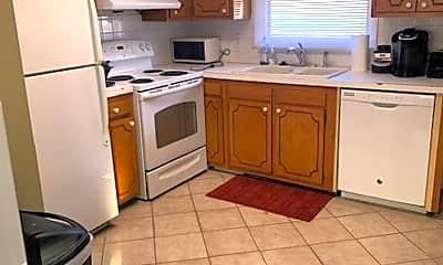 Kitchen, 1004 Franklin Ave, 1