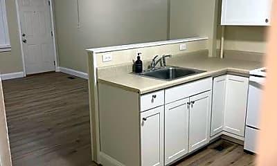 Kitchen, 1725 Jefferson Ave 4, 1