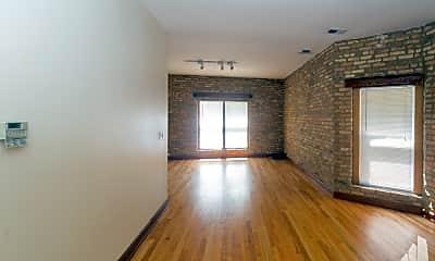 Living Room, 1026 W Dakin St, 1