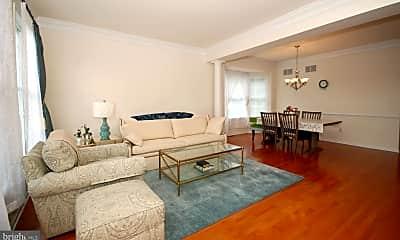 Living Room, 43 Lockwood Dr, 1