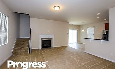 Living Room, 624 Lumber Ln, 1