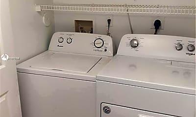 Bathroom, 711 SW 111th Way 206, 2