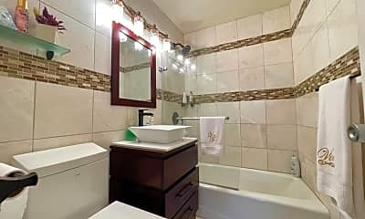 Bathroom, 377 S Harrison St 3I, 2
