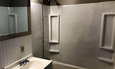 Bathroom, 1059 Beech St, 2