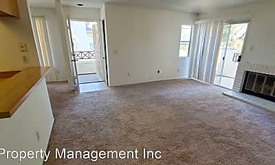 Living Room, 2039 Lakeridge Cir, 1