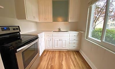 Kitchen, 21 Belle Avenue, Unit 2, 2